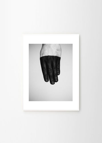 Who´s hand  -juliste, 30x40cm